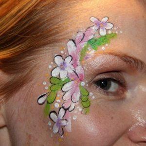 flower-face-paint