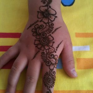 learn henna tattoo